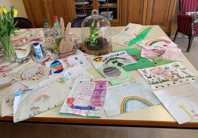 Über viel Post aus der Umgebung freuen sich die Mieterinnen und MIeter unserer beiden Senioren-WGs.